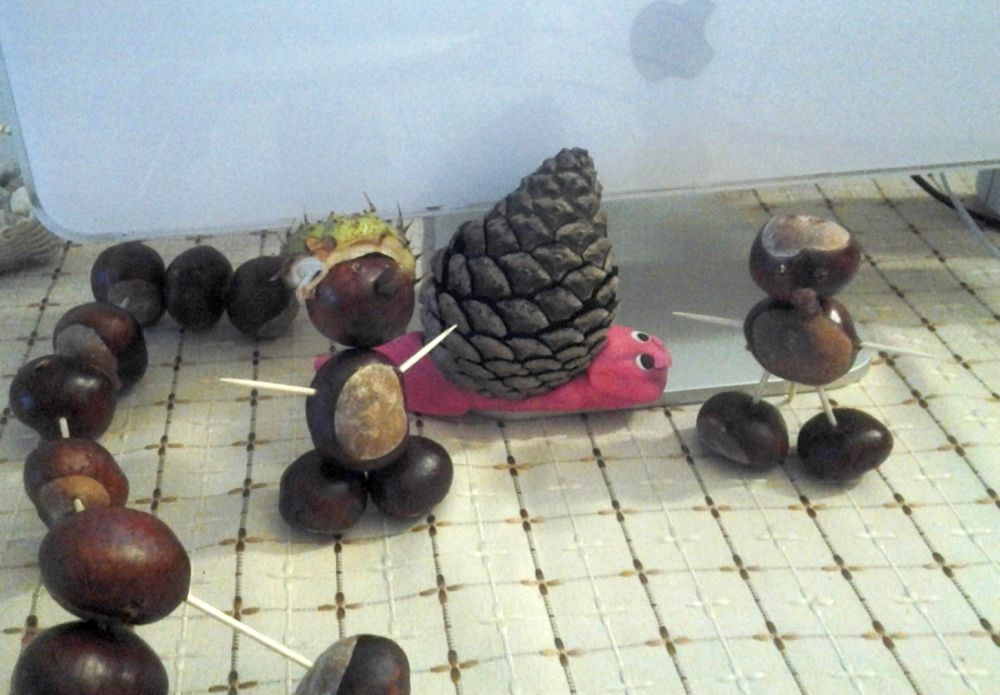 Kasztanowe ludziki i jesienny ślimak