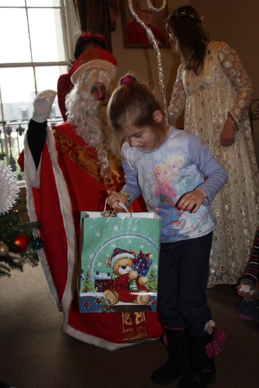 ze Św. Mikołajem w Domu Polskim
