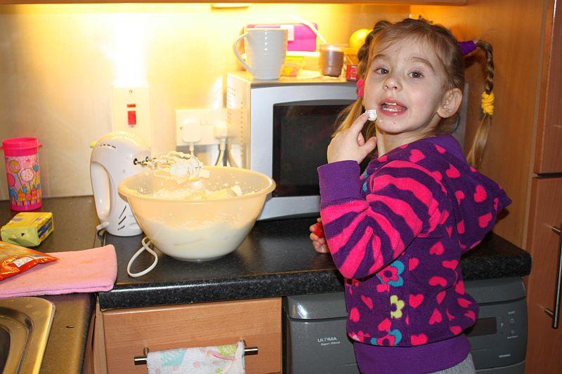 Robimy z mamą tort walentynkowy
