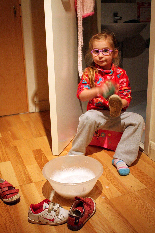 Wieczorne czyszczenie butów ;-)