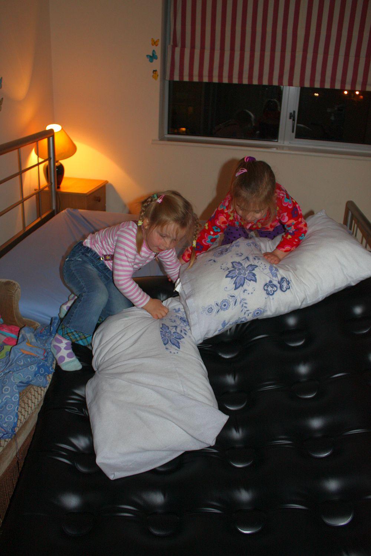 Zjeżdżanie na poduszkach z Dominiką