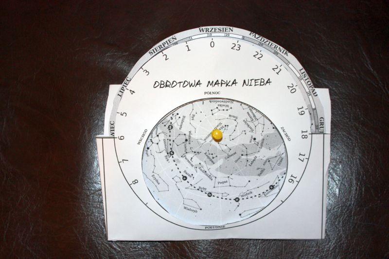 Własnoręcznie robiona mapa nieba