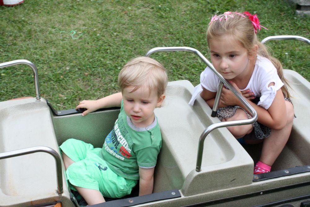 Ja i Mateuszek siedzimy w wagoniku