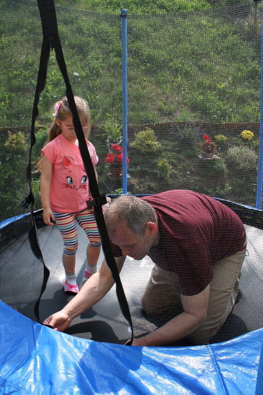 Stawiamy trampolinę