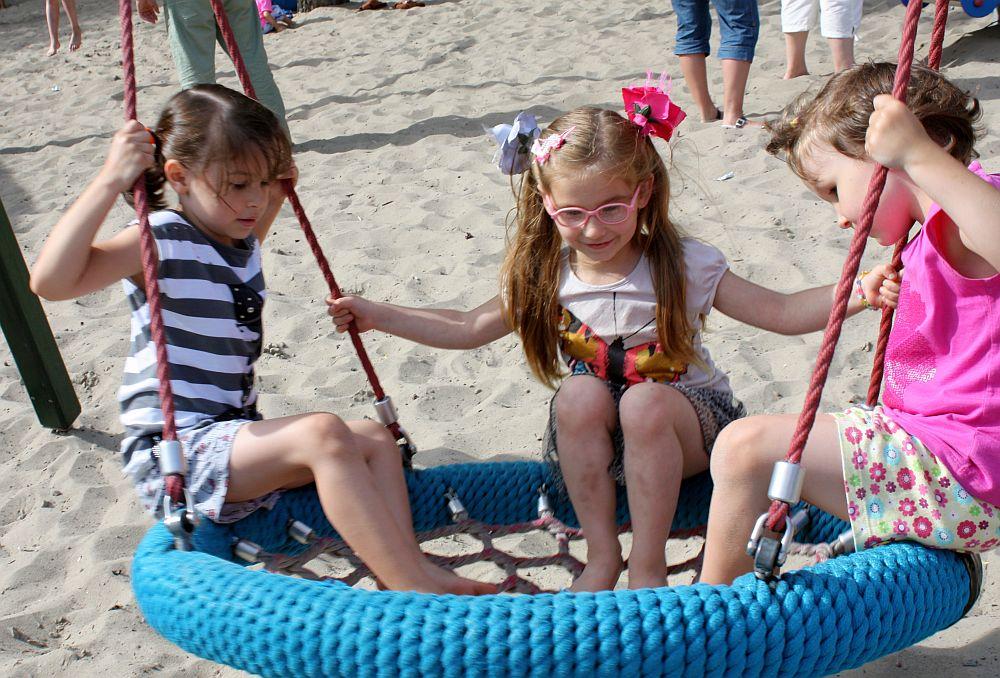 Na plaży z kuzynkami