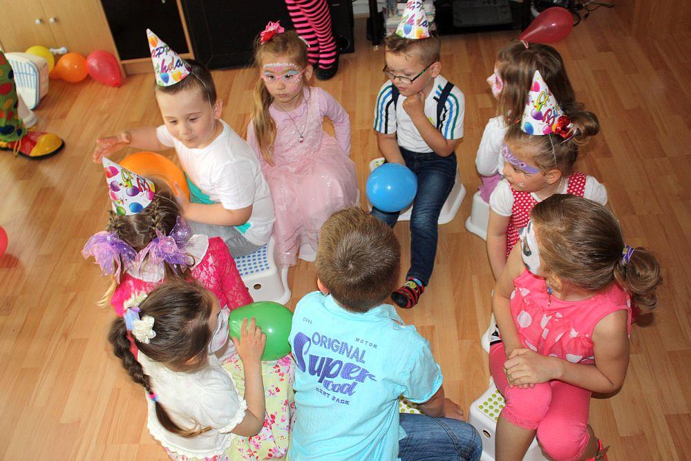 Zabawy podczas urodzin Julii