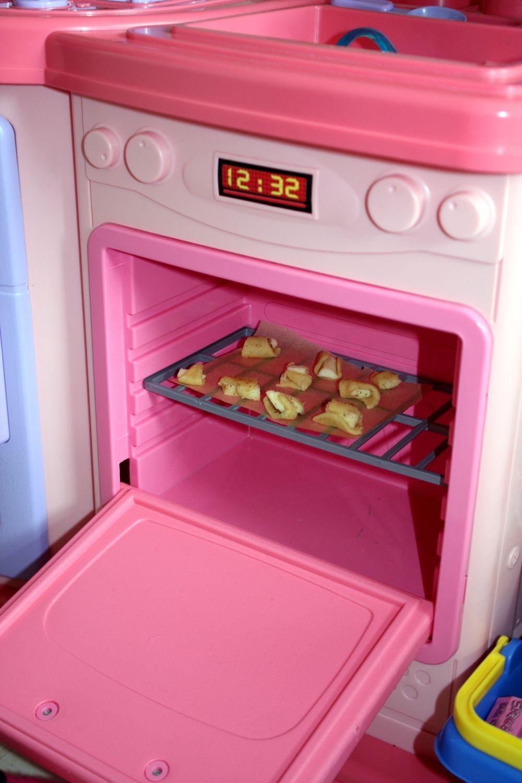 Piekę rogaliki z jabłkami