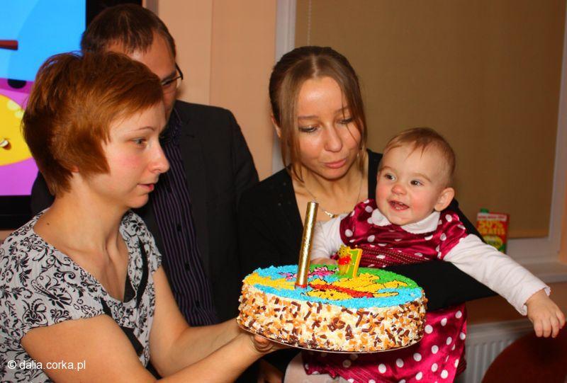 Będę dmuchać świeczkę - ja, rodzice chrzes. i mama :-)