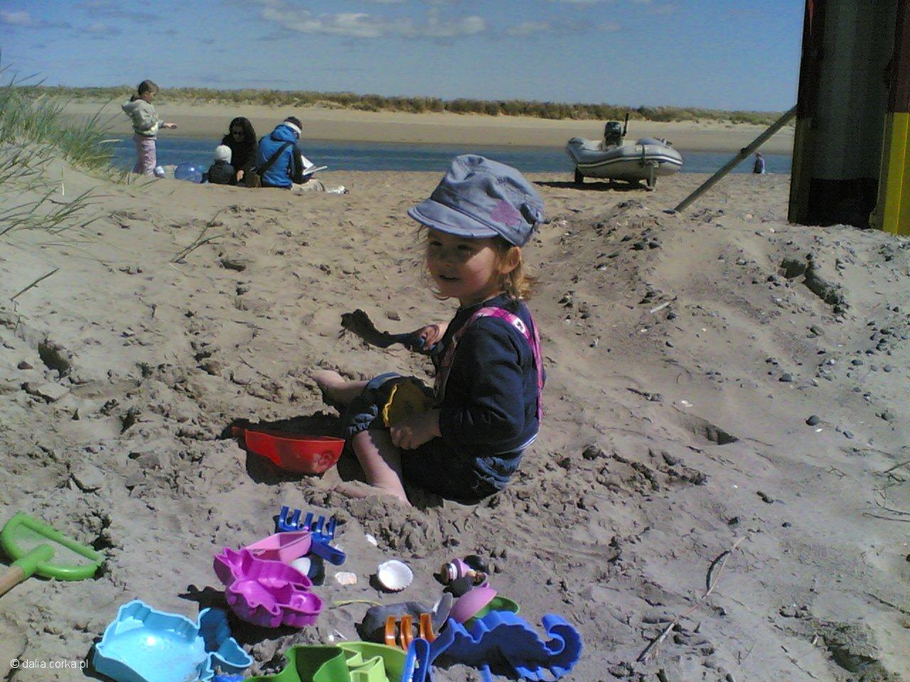 Na irlandzkiej plaży z dziadkami i Klarą