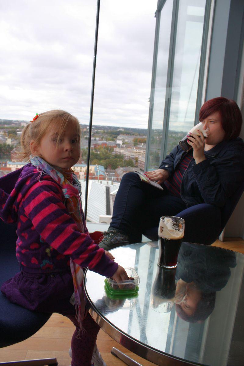 Odpoczynek przy Guinness'ie (Guinness Storehouse)